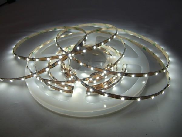 LED Streifen kaltweiß 300 LEDs 5m