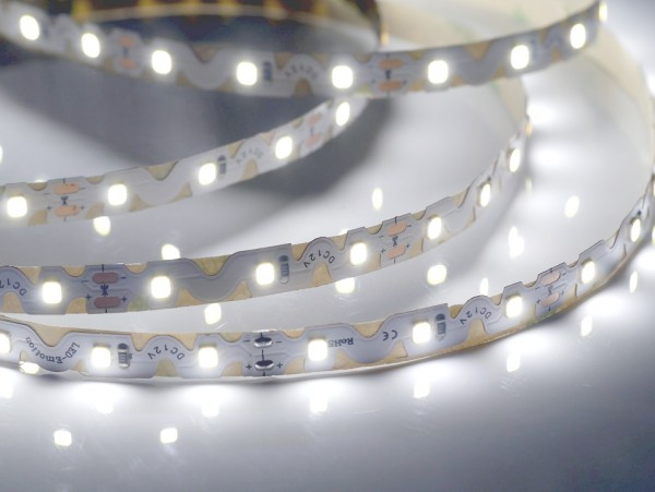 Curved LED-Streifen, 6500K purweiß, 60LEDs/m 12V, 5m Rolle