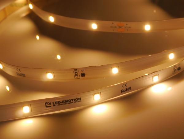 Premium Backlight LED-Streifen, 2700K warmweiß, 389lm/m, 3,8W/m, 28LEDs/m, 24V, 5m Rolle
