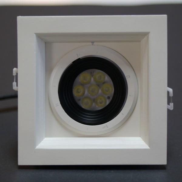 LED Deckenleuchte 240V 7x1W 5700-6350K