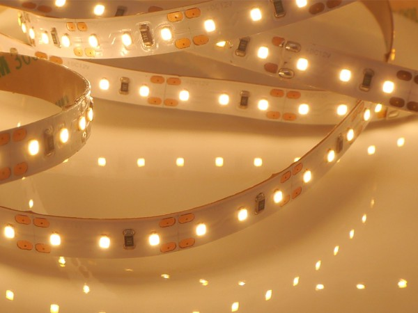 HighCRI LED-Streifen, 2700K warmweiß, 720lm/m, 9,6W/m, 120LEDs/m, 12V