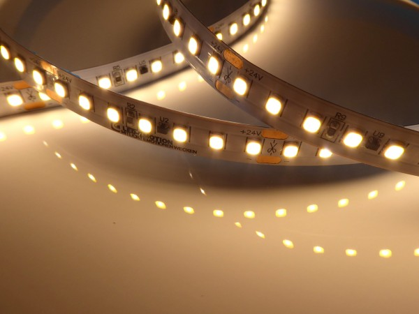 Premium HD HE LED-Streifen, 3000K warmweiß, 3880lm/m, 28,8W/m, 140LEDs/m, 24V