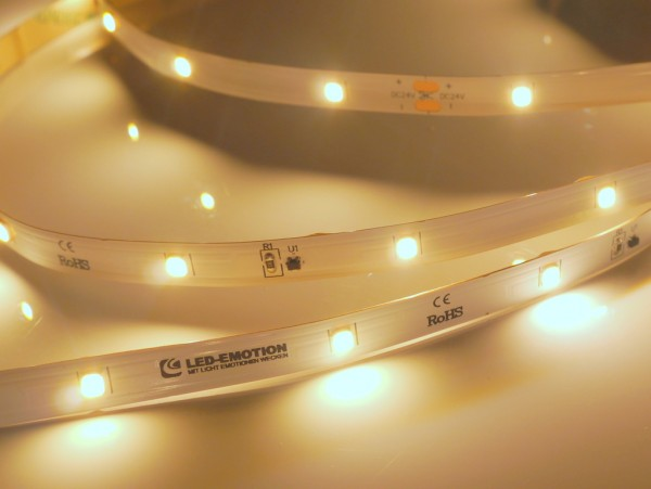 Eco Backlight LED-Streifen, 3000K warmweiß, 520lm/m, 3,8W/m, 28LEDs/m, 24V, 10m Rolle