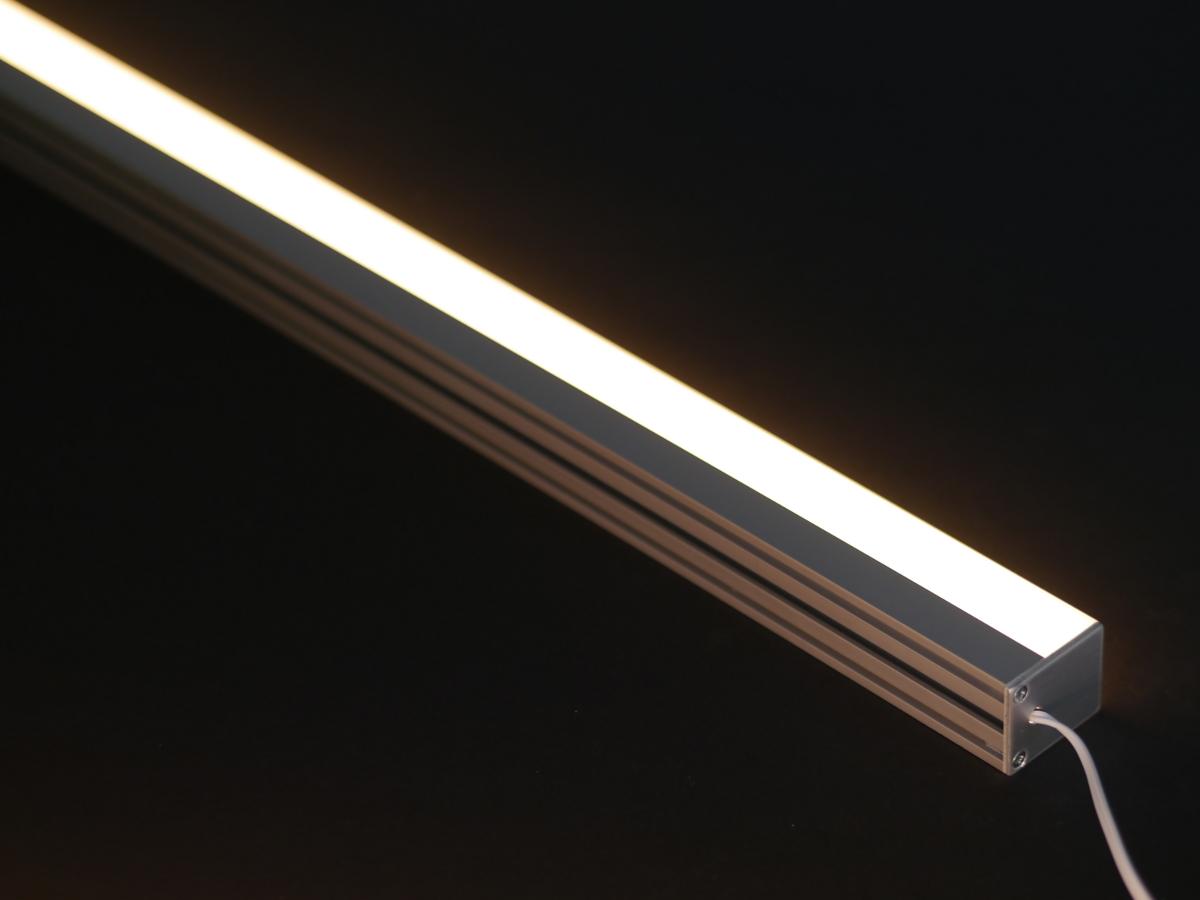 XQ LED Lichtleiste Aufbau 20 Lumen warmweiß 20K mit ...