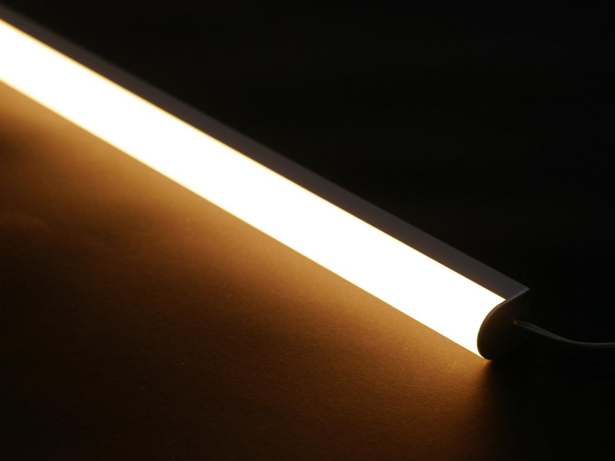 power xq led leiste warmwei 2700k 1460 lumen auf 45cm spitzen helligkeit und top effizienz. Black Bedroom Furniture Sets. Home Design Ideas